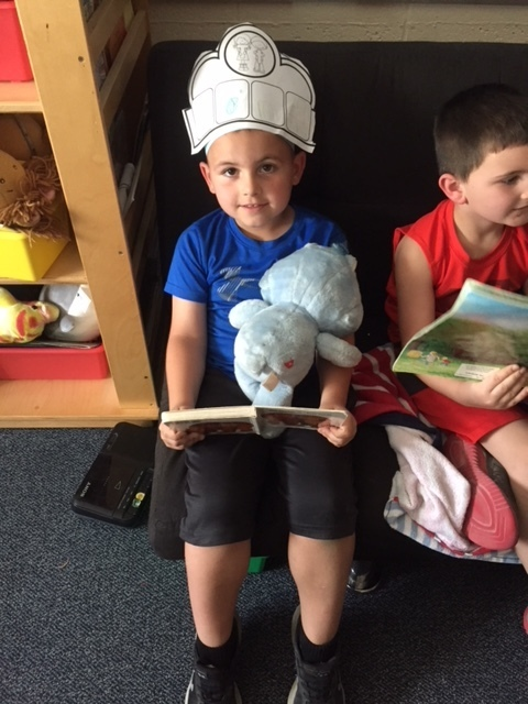 Blue bear loves Brown bear Brown Bear book!