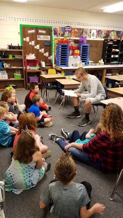 Reading to 2nd grade.