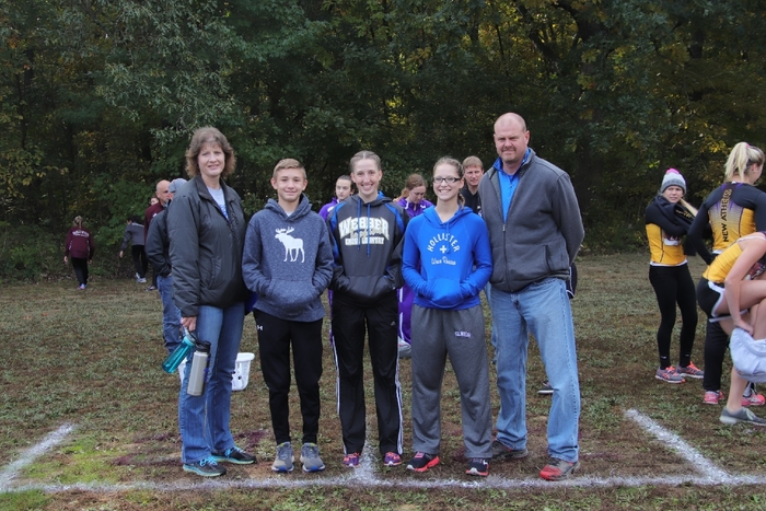 Cross Country team @ Sectionals..Benton Il